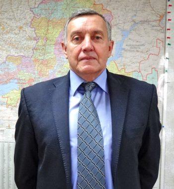 Директор Мартыновского филиала Анатолий Васильевич Листопадов